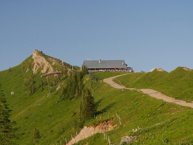 Wegstück von er Porta Alpinae zur Hochgratbahn-Bergstation