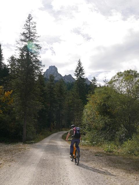mit dem Mountainbike unterwegs zur Kenzenhütte