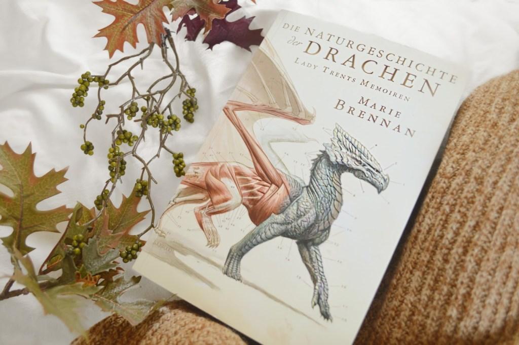 Buchvorstellung | Die Naturgeschichte der Drachen – Lady Trents Memoiren von Marie Brennan