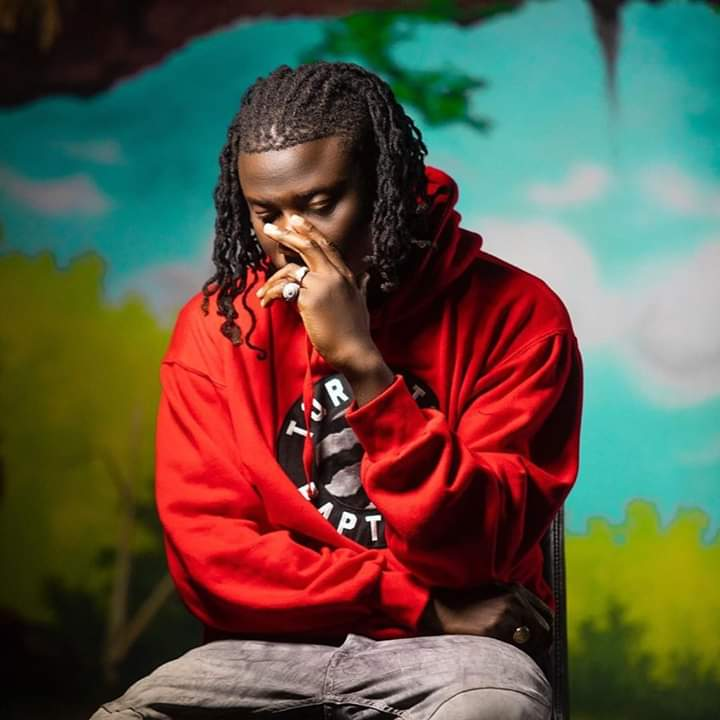 Dancehall artiste Stonebwoy says he wants his ban from the Vodafone Ghana Music Awards (VGMA) to be extended.  Speaking at a press conference at the Golden Tulip Hotel in Accra on Friday, February 7, Stonebwoy said he wished the ban would last for about three years to serve as a deterrent to young artistes.