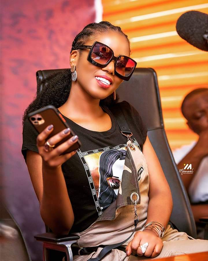Singer Vera Hamenoo Kpeda, who is known on stage as MzVee, has revealed that she will be embarking on a tour to create awareness about depression soon.