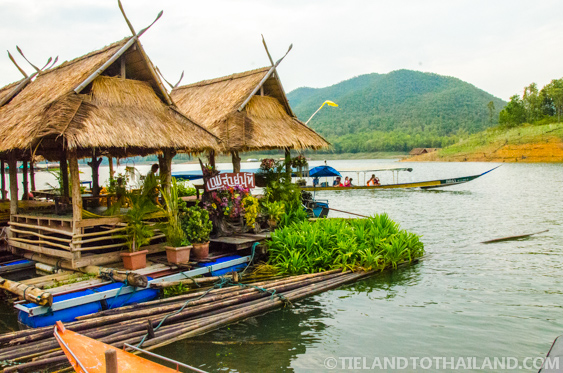 Mae Ngat Dam Floating Houses in Chiang Mai at Sri Lanna National Park