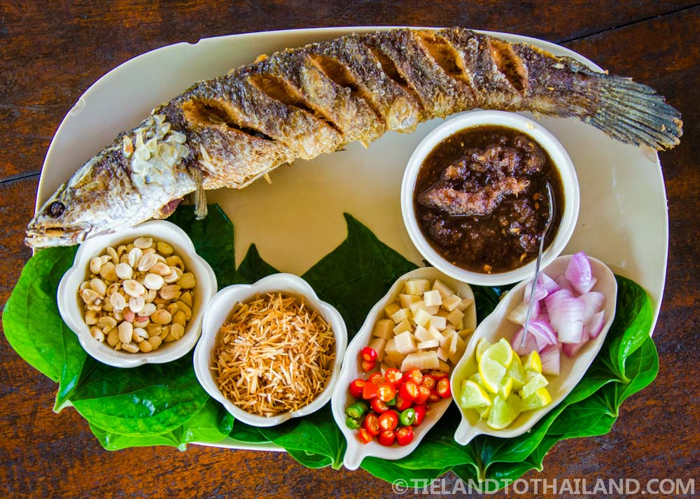 Enjoyed grilled snakehead fish at Baan Kor Pai during our trip to Samut Songkhram