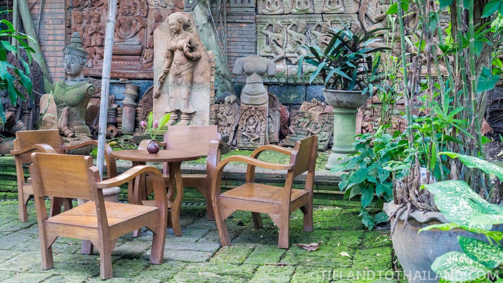 Plenty of seating at the Terracotta Arts Garden in Chiang Mai