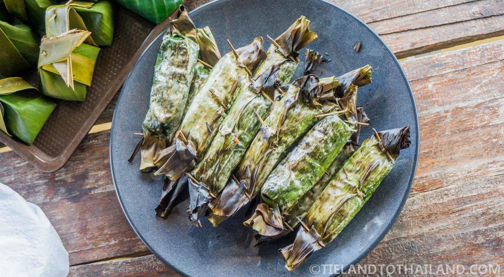 Traditional Thai Breakfast at Baan Mai Sai Klong | Thai sweet wrapped in banana leaves