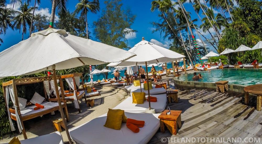 Day beds at the Nikki Beach Poolside Party