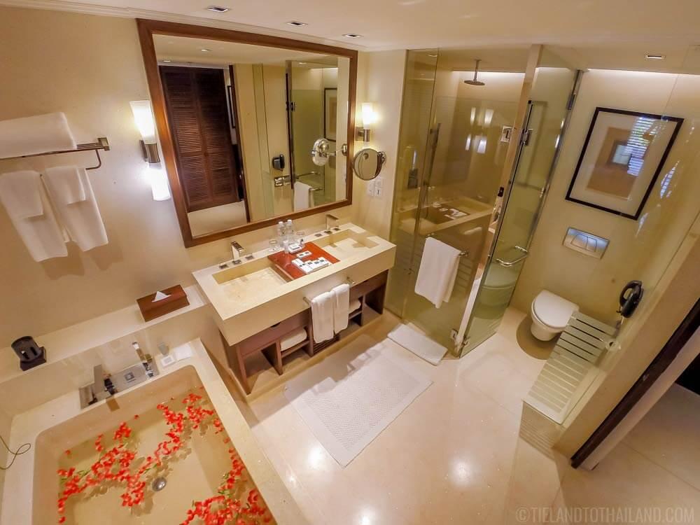 JW Marriott Khao Lak Resort & Spa Bathroom