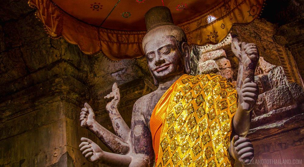 The towering Vishnu statue, Ta Reach, at Angkor Wat