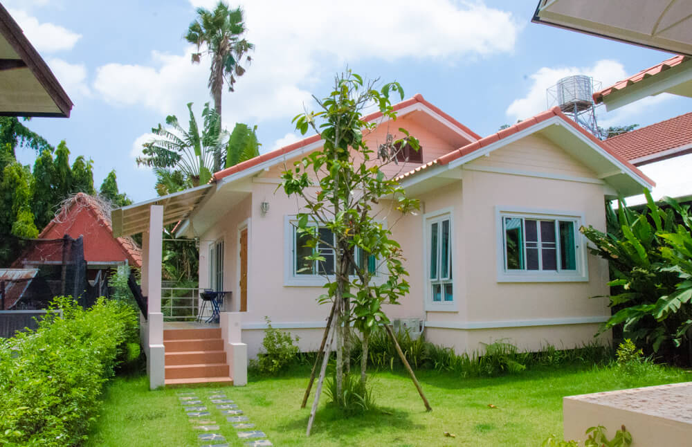 Cost of living in chiang mai thailand tieland to thailand for Classic house chiang mai