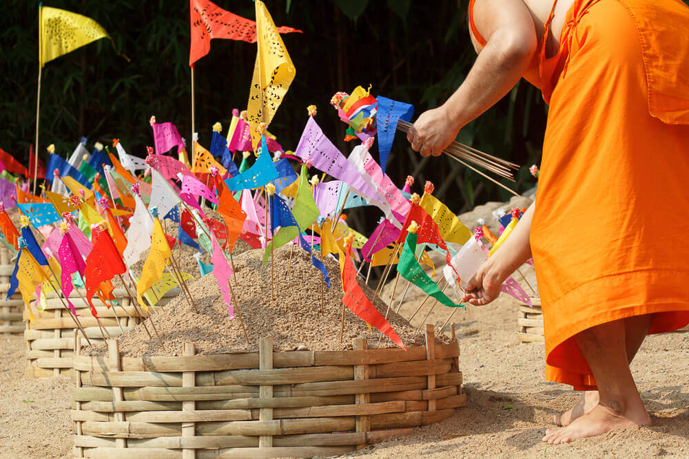 Baeng Saen Sand Pagodas | Where to Celebrate Songkran Top 10 Cities