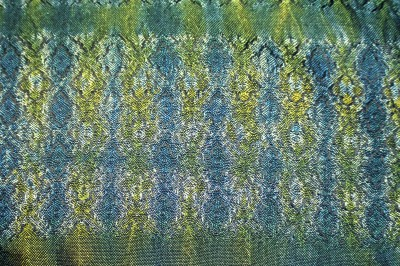 Woven shibori sample #2, weft ties every 4 threads, painted yellow on one side and blue on the other, reverse side
