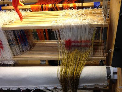 partially threaded loom