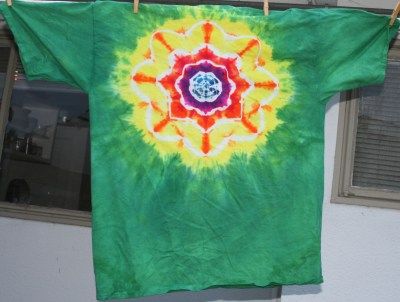yellow-dominant mandala on green, XXL