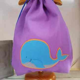 mochila infantil Ballena lila