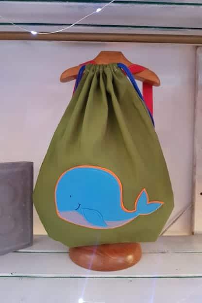 mochila infantil Ballena verde