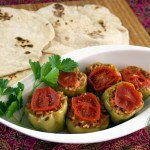 Zeytinyağlı Dolma – Gefüllte Paprika mit Olivenöl