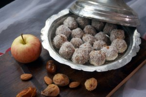 Apfel-Kokos-Bällchen - basisch - Rohkost - ruckzuck