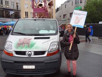 19.8.2013 - Das Grunzmobil auf dem Marienplatz