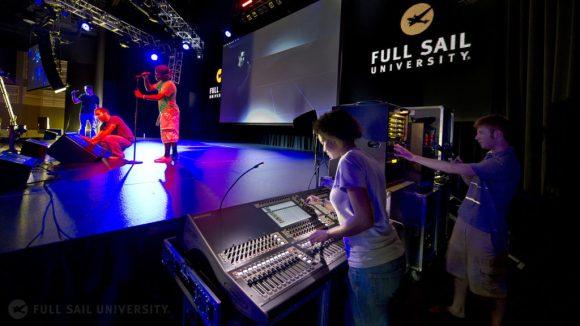 Full Sail University Partners on Audio Visual Education With AVIXA Foundation