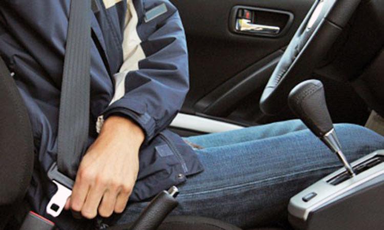 Siempre use el cinturón de seguridad