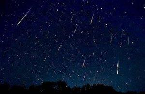 Lluvias de estrellas iluminan el cielo de agosto
