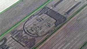 Crop circle de Kim Jong-un en Italia