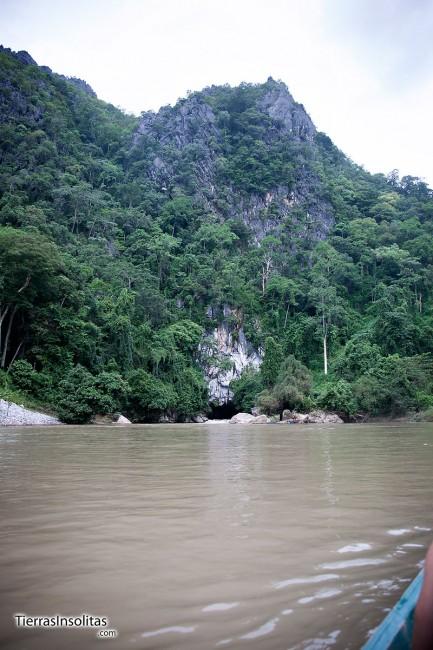 paseo en barca en tham kong lo