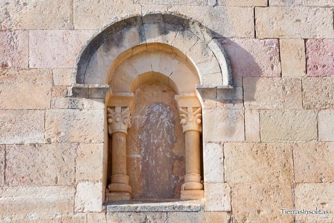 detalle ventana iglesia moraza