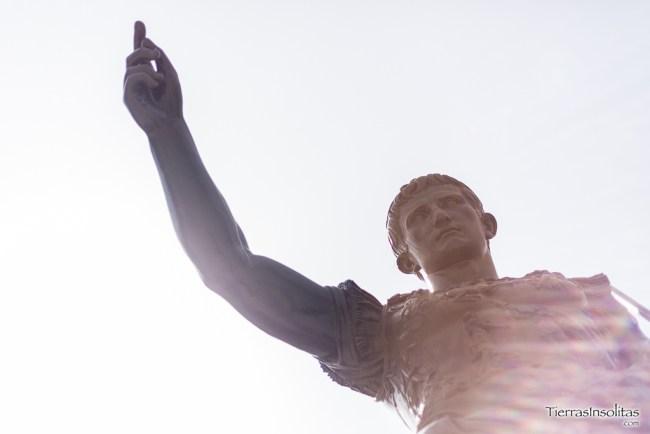 estatua emperador cesar augusto