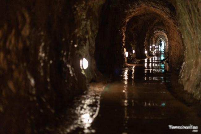 gruta monasterio de piedra