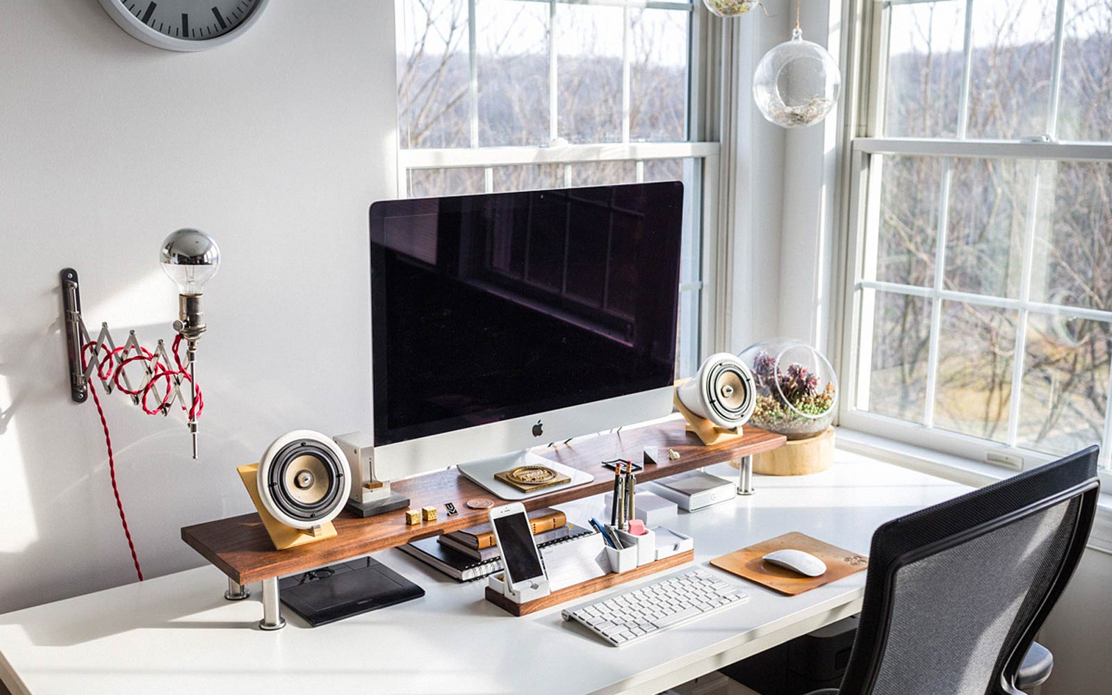 How to Decorate Your Desk  The GentleManual  A Handbook