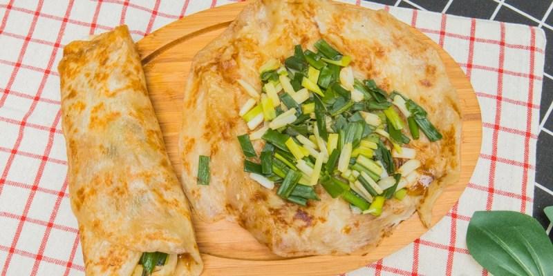 [宜蘭美食]羅家蔥捲餅/自家栽種的三星蔥段捲入手工麵糰裡/超特別三星蔥捲餅