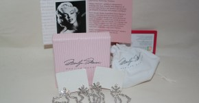 [Review & Giveaway] Marilyn Monroe Jewelry