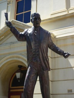 Bronze statue of John Curtin, Prime Minister of Australia and native of WA - Fremantle