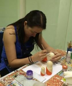 paint matryoshka russian dolls