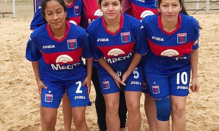 Foto del día: Las Matadoras del Fútbol Playa
