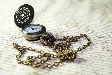 clock-old-letter