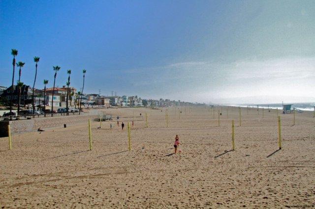 Beach volley at Manhattan Beach California