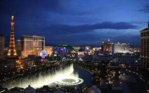 """Las Vegas """"Strip"""" on vaikuttava illan tullen."""