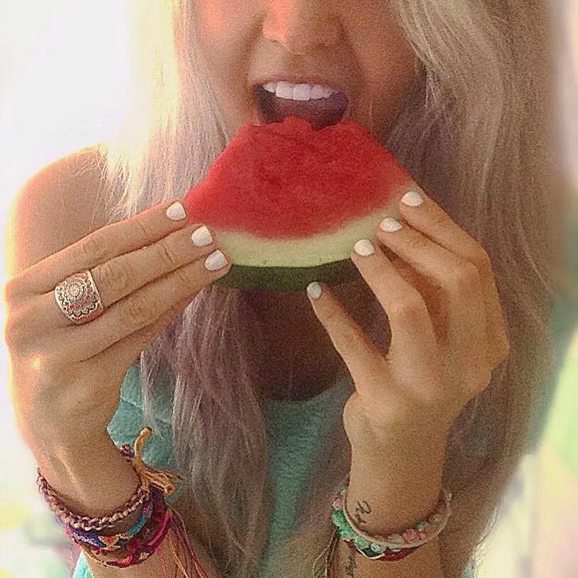 Jasmine munchy some sneak melon