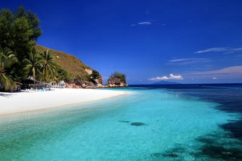rawa island beach