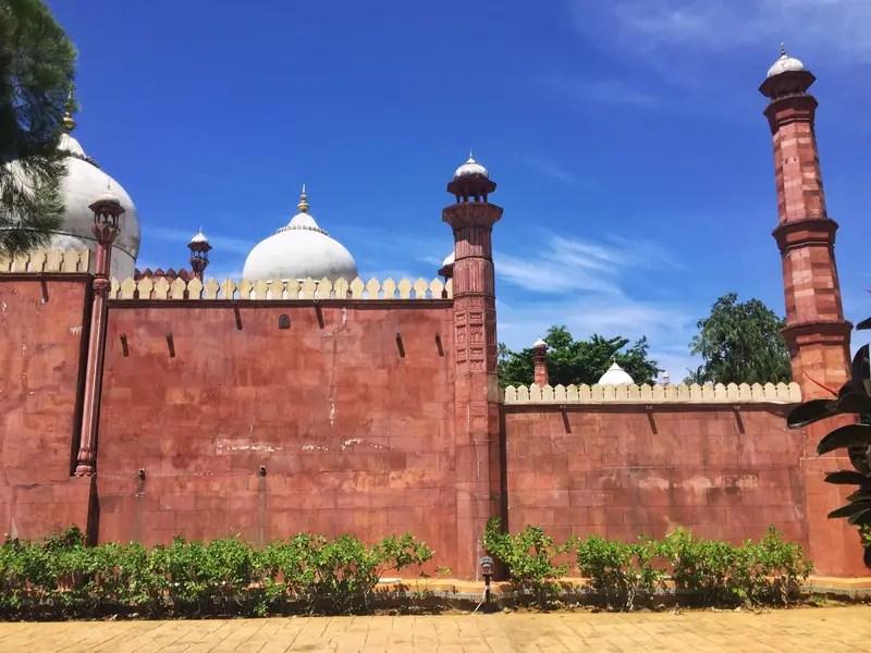 Keliling 23 Mesjid di Dunia Dalam 1 Hari, Bisa Kok!