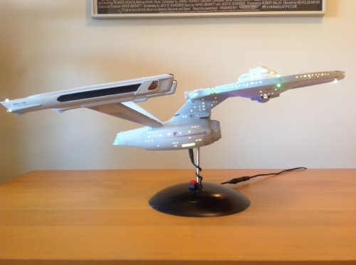 Building a 1:537 scale USS Enterprise NCC-1701 – a set on Flickr
