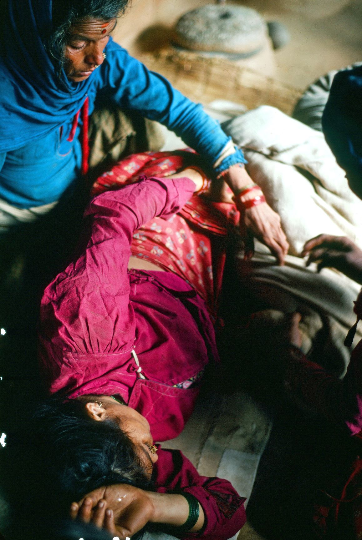 image of a mother in distress in labor