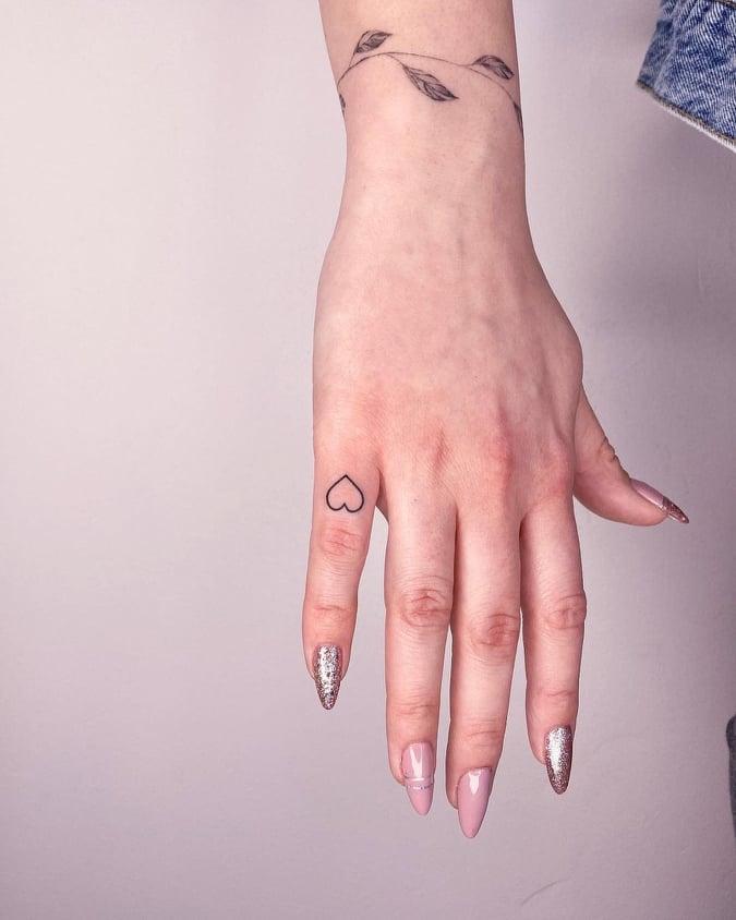 Simple Tattoos for Girls - Tikli