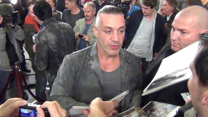 Rammstein Feiern Premiere Till Lindemann Mit Krasser Frisur