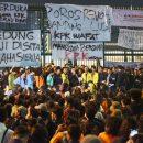 TIKTAK.ID - Demo Mahasiswa Menolak Revisi UU KPK di Gedung DPR RI, Jakarta
