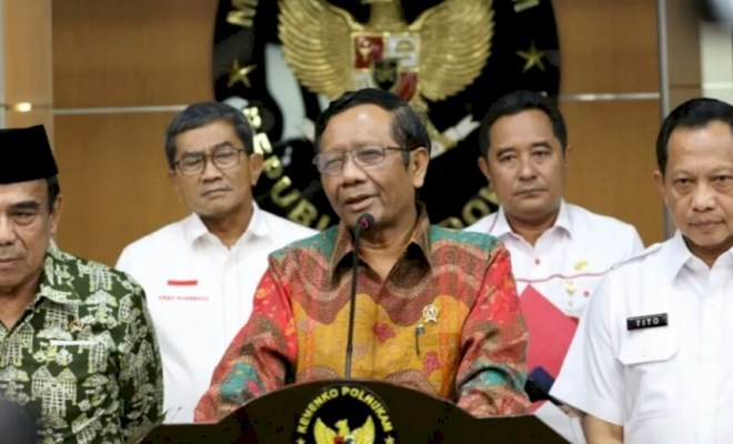 Jokowi Minta Mahfud MD Kawal Penuntasan Kasus Korupsi Besar yang Belum Terjamah