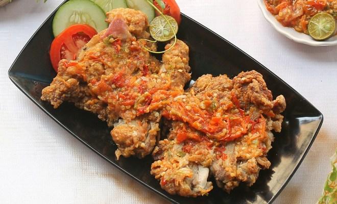 Membuat Ayam Geprek Sambal Bawang Ala Resto Super Praktis dan Mudah