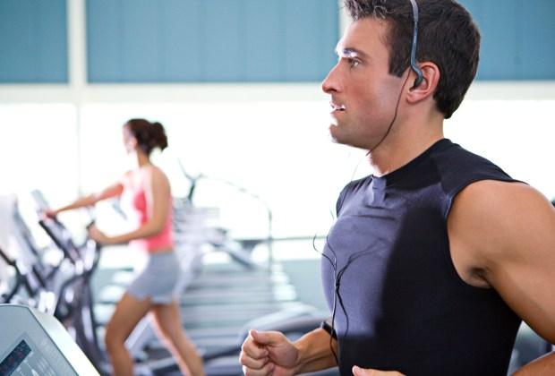 TIKTAK.ID - Olahraga Sambil Dengarkan Musik Bisa Lebih Banyak Bakar Kalori?
